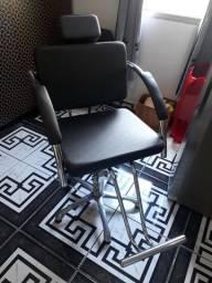 Cadeira de cabeleireiro  semi novo