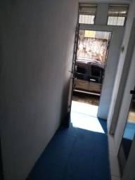 Casa com 4 quartos no Benfica.