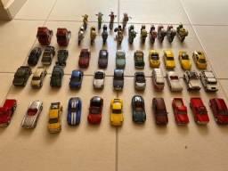 Coleção de carros, motos e cavalinho miniaturas