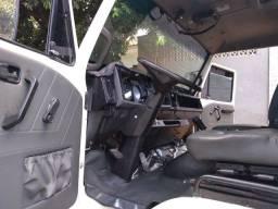 VW 8-140 Baú