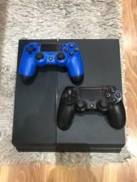 PS4 500GB - 2 controles - SOMENTE VENDA