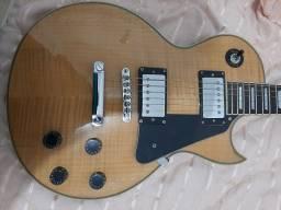 Lindíssima guitarra conservada