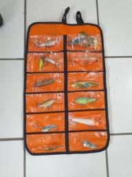 Porta Iscas em P.V.C. a prova dágua com 12 compartimentos show