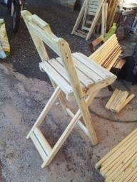 Cadeiras mesas e suportes