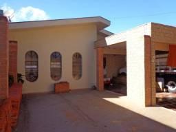 Centro, Residencial/comercial com sala comercial na frente em construção