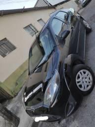 Fiesta sedan 1.6 completo apenas 41.000 km