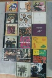 122 cds diversos de Música - Leia o anúncio
