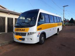 Microonibus Wolare W8 32+1 poltronas