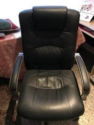 Cadeira Escritorio Couro - Usada