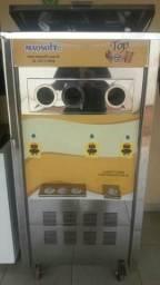 Maquina de sorvete e açaí expresso.