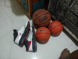 Tênis 44-45, bola nike pure grip, 2 minibolas de basquete
