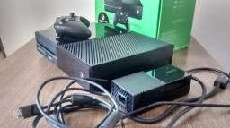 Xbox One Fat 500gb + 1 controle + 2 jogos originais