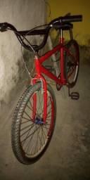 Vendo bicicleta aro 26. É do meu uso diário. Toda ok. Pegar e andar