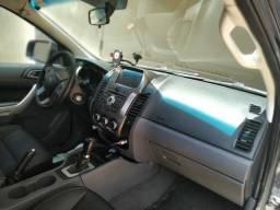 Ford Ranger XLT aut 3.2 diesel $ 93.500 - 2015