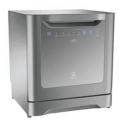 Vendo lava louças 6 serviços Electrolux Inox. 1000 reais. Motivo da venda: mudança.