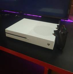Xbox one s (seminovo)