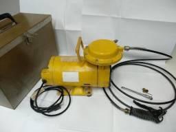 Motocompressor Ar Direto 110/220V marca Schulz com Mala de Aço