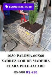 1030 Vaso de Planta Extra Grande 60x60 com Cerâmica com Pinheiro Tuia
