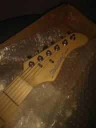 Guitarra Stratocaster em ótimo estado