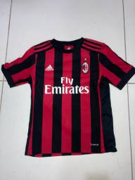 Camisa do Milan! Tamanho M. Original.