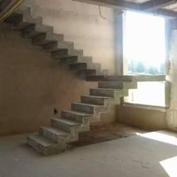 Escada customizada em concreto armado