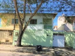Ótimo Duplex independente no bairro Jardim Mariléa próximo a Rodovia com 3 quartos.