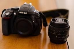 Camera Nikon D5300 bem conservada com poucos cliques