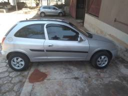 Celta 2001 básico
