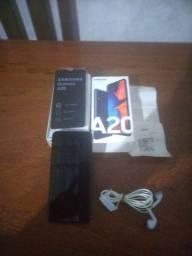Samsung a20 azul semi novo