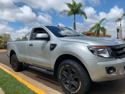 Ranger cabine simples 4x4 motor diesel 2.2 ano 2013/2014 bem conservada