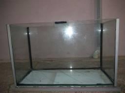 Aquário 140 litros com trava e reforço lateral