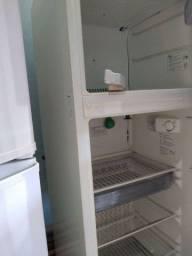 Vendo geladeira 390 litros