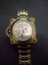 Vende_se um relógio