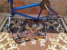 Aro de bicicleta com garupa e pesinho