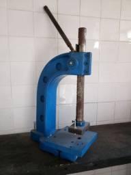 Prensa mecânica de bancada PRB01