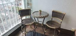 Conjunto mesa com 2 cadeiras