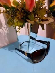 Óculos de sol com proteção UV marca Jéssica simpson