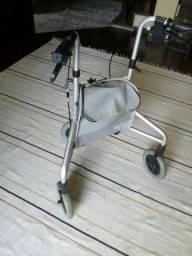 Andador dobrável de aluminio