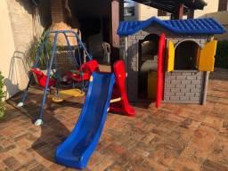 Playground (Casinha Xalingo + Escorregador + Balança de Cadeira Dupla)