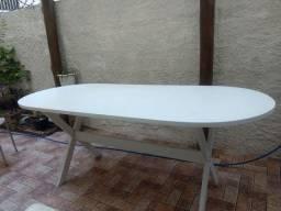 Mesa em madeira e fórmica
