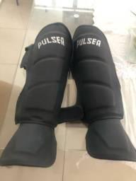 Caneleira Pulser nova ! Muay Thai