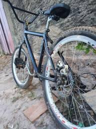 Bike freio a disco traseiro aro, só no ponto de rodar