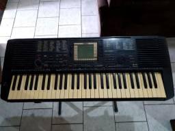 Teclado YAMAHA PSR-530