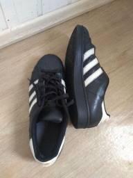Tênis Adidas original superstar 41. Em couro