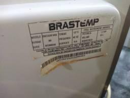 Título do anúncio: Forno microondas Brastemp clean