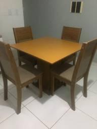 Mesa de madeira 4 lugares / passo cartão