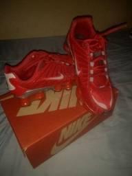 Nike 12 molas vermelho