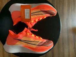 Nike Zoom Fly 3 tam. 40