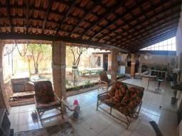 Casa à venda, por R$ 200.000,00 - Conjunto Residencial Padre Eduardo Murante - Ourinhos/SP