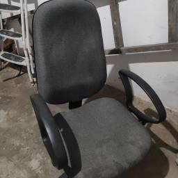 Cadeira escritório larga